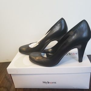 Style & Co. Pamela Black Leather Heels Sz 6.5 NIB